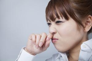 アーユルヴェーダの鼻うがいと点鼻の方法!鼻水、鼻炎、花粉症によく効きます