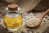 アーユルヴェーダでごま油のうがい方法。口内の毒素を洗い流して美容健康をお助け!