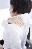 アーユルヴェーダで首・肩・腕をオイルマッサージ。つらい首の痛み、肩こりにお悩みの方必見!