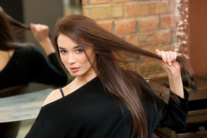 アーユルヴェーダハーブでツヤのある髪を手に入れる!